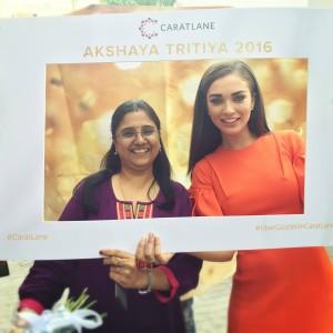 Titan CaratLane Online to Offline